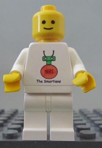 smartians mini-fig